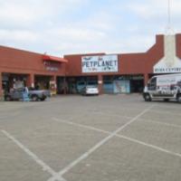Shop with car access in centre Pretoria North