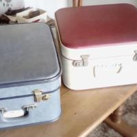 Twee PRAGTIGE vierkantige koffers.