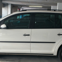 2011_Volkswagen Touran 1.2 TSI Trendline - manual