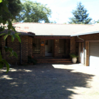 Large Spacious Room To Let in Pleasant Sandton Home Environment