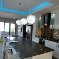 Penthouse self-catering apartment in a secure complex