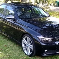 AUTOMATIC 2013 BMW 320i F30, sport pack. with SUNROOF. good condition. with fsh at bmw. black in col
