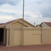 Dobsonville ext 2 house to LET
