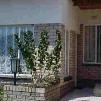 Garden Flat - Secure close to East Rand Mall - R3600