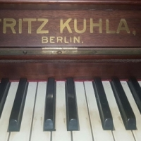Fritz Kuhla Berlin Model P Piano