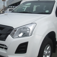 Isuzu KB250 D-Teq Double Cab with canopy