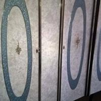 2 hangkaste spieelkas en dubbelbedkopstuk met bedkassies