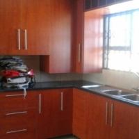 neat spacious 2 bedrooms available immediate ly