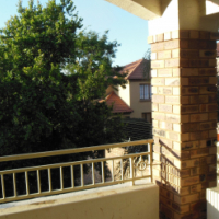 2 Bedroom Townhouse in Moreleta Park Security Complex
