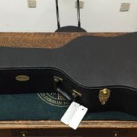 Guitar hard case - Martin, dreadnought size