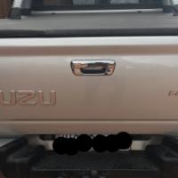 2007 Isuzu kb300 D/C 4x4