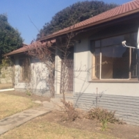 THREE BEDROOMS HOUSETO RENT IN SECUNDA TOWN