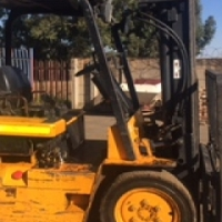 Gas Daewoo Forklift in Very Good Condition