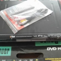 Bauer Dvd player in box