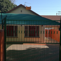 1 bedroom garden cottage in Malanshof Randburg with separate entrance.
