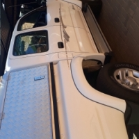 Toyota Hilus 2.7i 4x4 for sale.