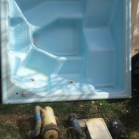 Urgent sale hot tub jacuzzi