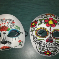 Where can I hire Mexican day of the dead costumes and buy dressup items?