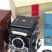 ROLLEIFLEX VINTAGE OLD CAMERA AND ACCESSORIES WANT