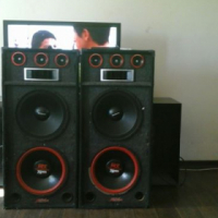 2 big speakers