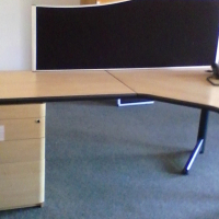 7x desks with draws for sale