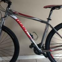 """Giant Revel 1 29""""er MTB Mountain Bike"""