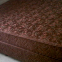 Queen size Bed for sale! (Grassy park)