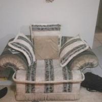 swop my light couch set for ur dark set