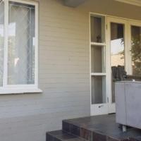 1 Bedroom Garden Cottage for Rent in Dawncliffe