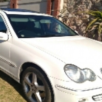Call Haroon on 2007 Mercedes Benz C350 Auto