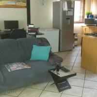 2 Bedroom Duplex in Florauna to Rent