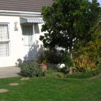 Beautiful renovated townhouse IN Gordons Bay!