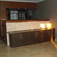 2 Bedroom, 1 bathroom, 2 carports, house to rent on a small holding in Laezonia.