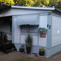 Cozy holiday home , built in cupboards, living area, patio in Park Rynie, KZN