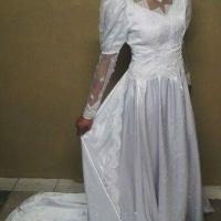 5 vintage wedding dresses