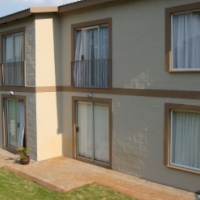 2 Bedroom Flat to Rent In Secure Complex: