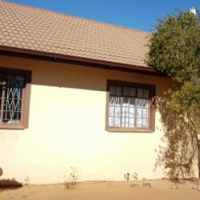 House to rent in Universitas R8500 per month
