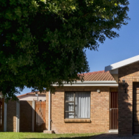 Comfortable Spacious and Secure Family Home in Somerset West!