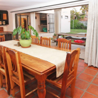 A Stunning Braai room to envy for 24-7 entertainers!