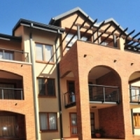 FOR SALE: BACHELOR APARTMENT IN HILLTOP LOFTS, MIDRAND