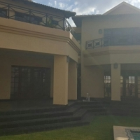 Immaculate 4 bedroom House in Ruimsig Golf Estates