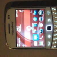White Blackberry 9900 Bold