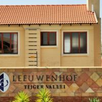 TO LET: FULLY FURNISHED 2 BEDROOM APARTMENT.