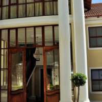 TO LET: FULLY FURNISHED SELF-CATERING ACCOMMODATION IN WATERKLOOF, PRETORIA EAST