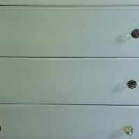 Baby/kids chect of drawers & shelve - Like new!