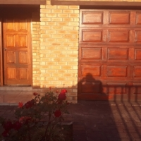 3 Bedrooms, 2 Bathrooms, Double garage house to rent