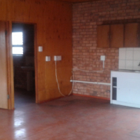 Batchelor flat to let in East