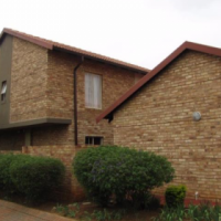 Townhouse for sale in Silverlakes area.