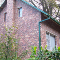 Redwood house and chalet in Hogsback