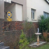 Mountain View: 4 bedroom house for Sale